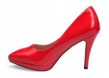 Stiletto rouge verni