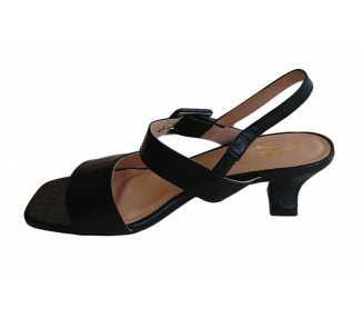 sandale à petit talon